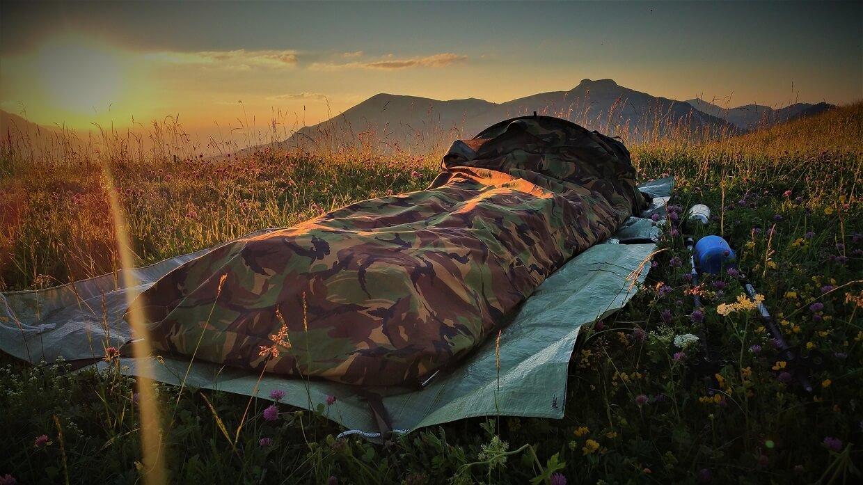 Como elegir la esterilla, aislante y colchoneta para montaña o acampada